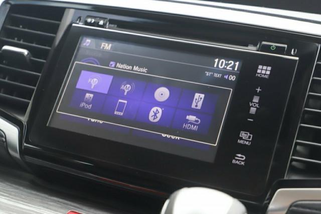 2015 Honda Odyssey 5th Gen VTi-L Wagon Image 18