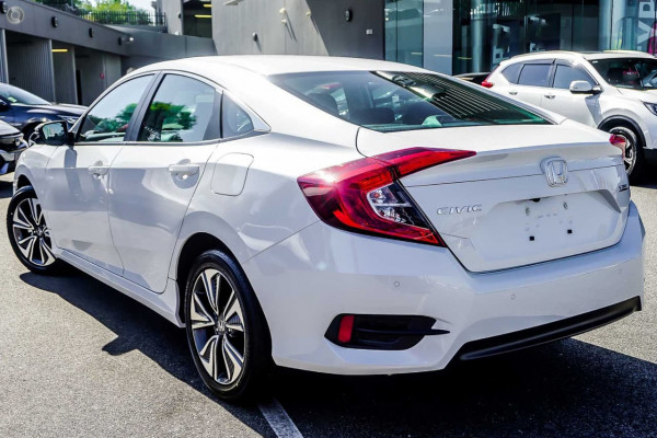 2019 Honda Civic Sedan 10th Gen VTi-L Hatchback