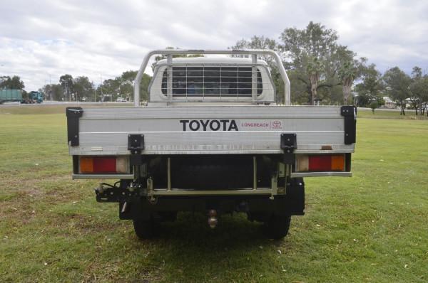2017 Toyota Landcruiser VD CC Cab chassis Image 5
