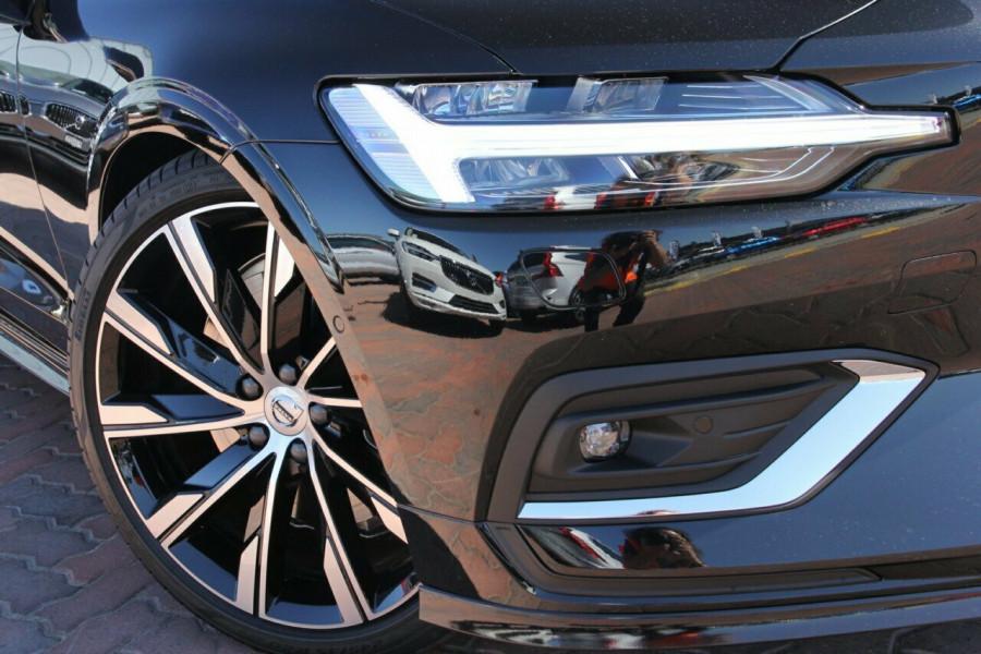 2019 MY20 Volvo S60 Z Series T5 Inscription Sedan Mobile Image 2