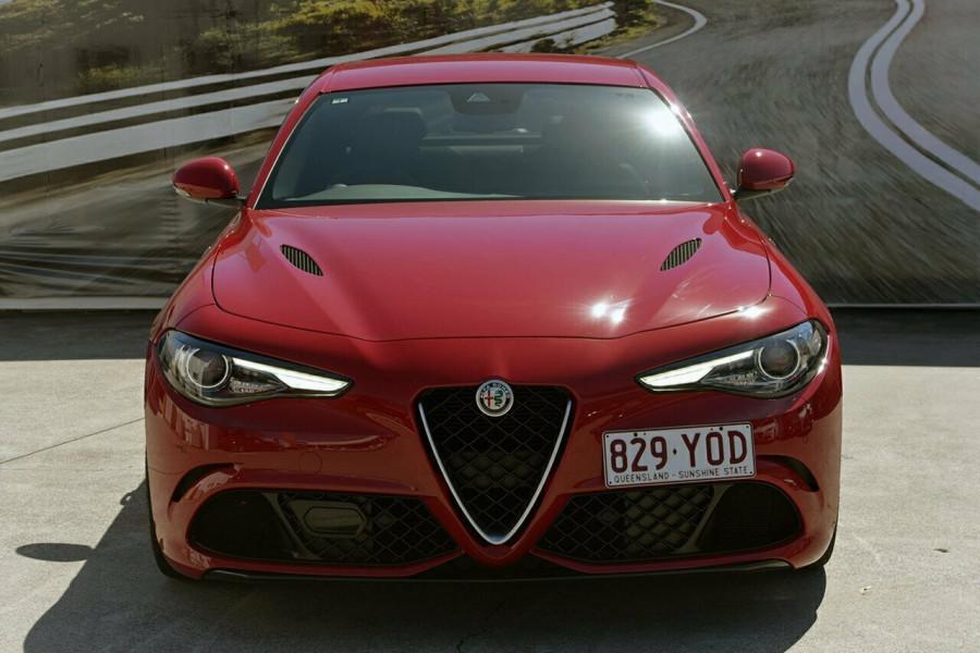 2017 Alfa Romeo Giulia Quadrifoglio Sedan Mobile Image 3