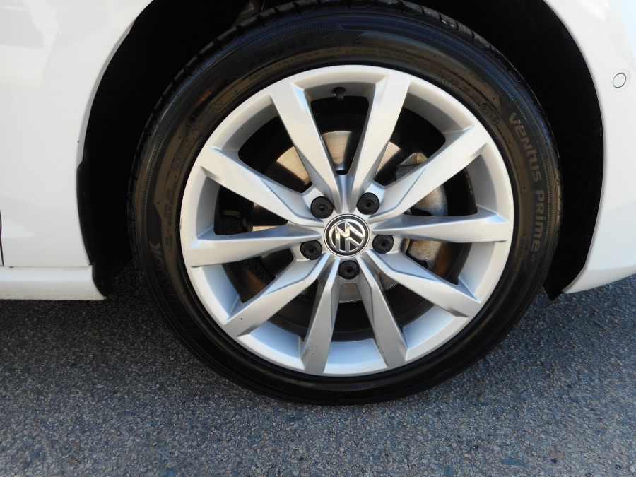 2017 Volkswagen Golf VII  110TSI Highline Wagon Image 9