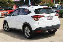2015 Honda HR-V VTi-S Hatchback Image 2