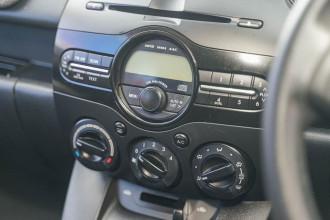 2014 Mazda 2 DE Series 2 MY14 Neo Sport Hatchback Image 5