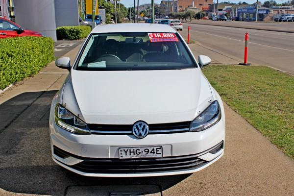 2018 Volkswagen Golf 7.5  110TSI Hatchback Image 3
