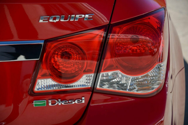 2014 Holden Cruze JH Series II MY14 Equipe Sedan Image 4