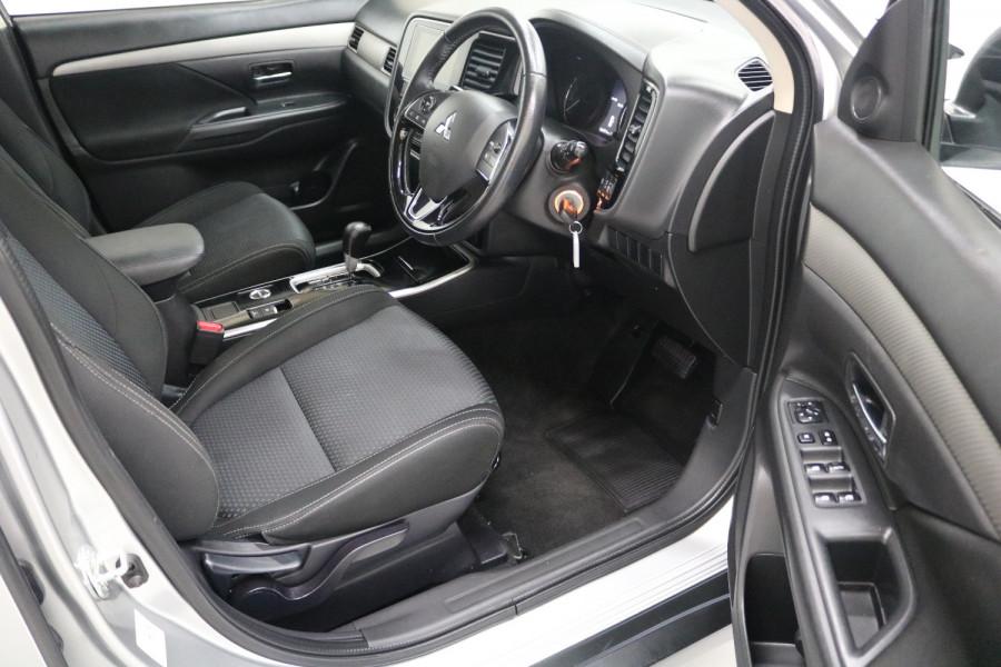 2018 MY18.5 Mitsubishi Outlander ZL MY18.5 ES Suv Image 4