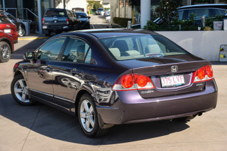 2006 Honda Civic 8th Gen VTi-L Sedan Image 2