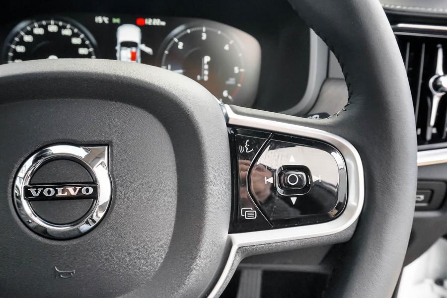 2020 Volvo V90 Cross Country P Series D5 Wagon Image 8
