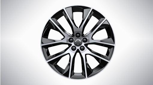 "20"" 10-Spoke Black Diamond Cut Alloy Wheel - 226"