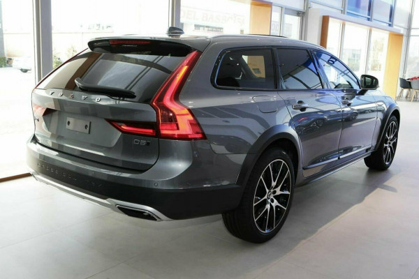 2019 Volvo V90 Cross Country D5 Wagon Image 2