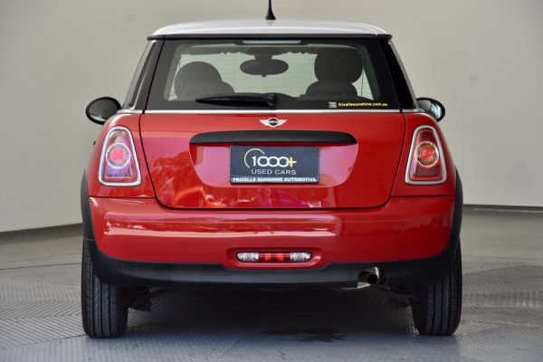 2012 Mini Hatch R56 LCI Cooper Hatchback Image 4