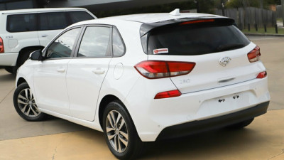 2017 MY18 Hyundai i30 PD Active Hatchback Image 2