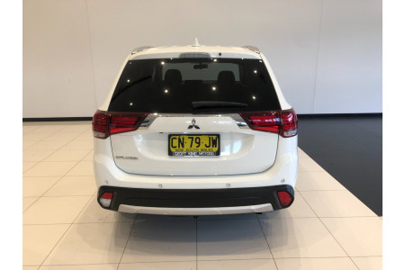 2017 Mitsubishi Outlander ZK LS Suv Image 5