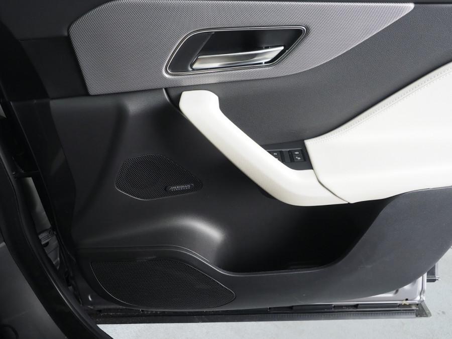 2020 Jaguar F-pace Suv Image 23