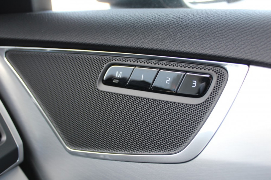 2018 MY19 Volvo XC90 L Series D5 Momentum Suv Mobile Image 17