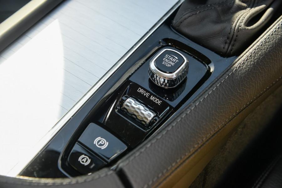 2017 MY18 Volvo XC90 L Series T6 Momentum Suv Mobile Image 15