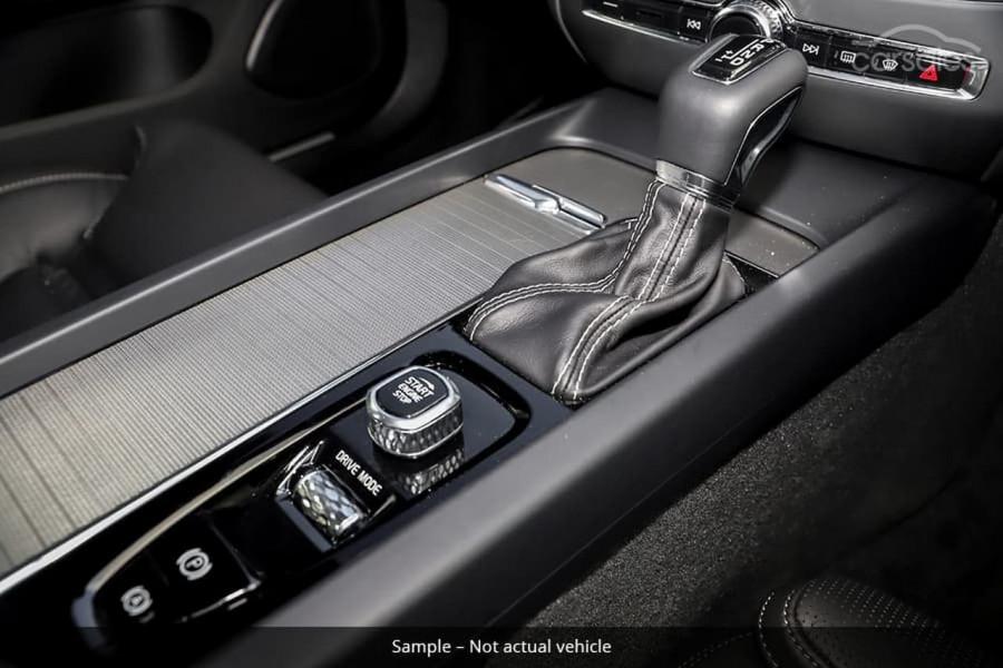 2021 Volvo S60 Z Series T5 R-Design Sedan Image 8