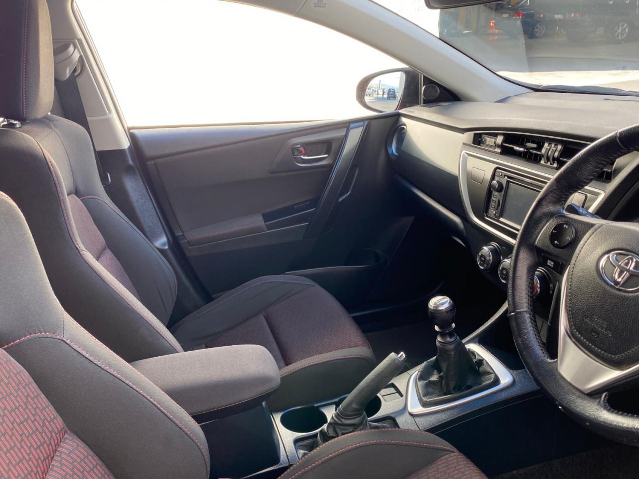 2013 Toyota Corolla ZRE182R LEVIN Hatchback