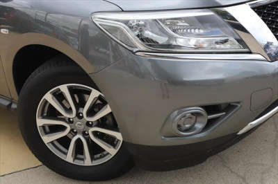 2015 Nissan Pathfinder R52 MY15 ST Suv Image 3