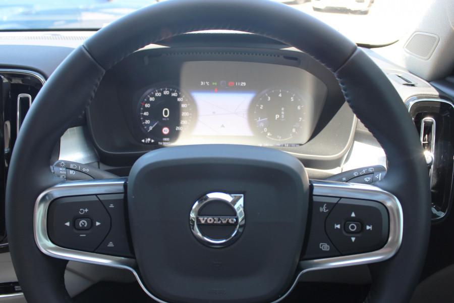 2019 MY20 Volvo XC40 XZ T4 Momentum Suv Image 12