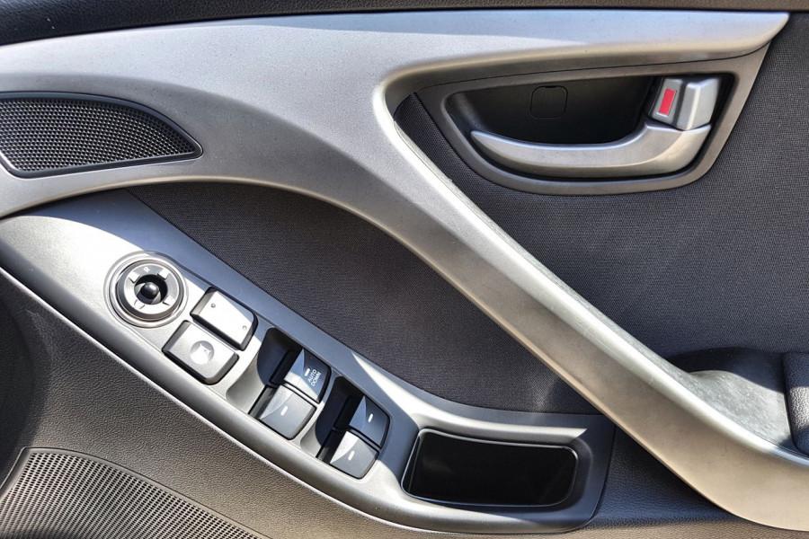 2015 Hyundai Elantra MD3 Active Sedan