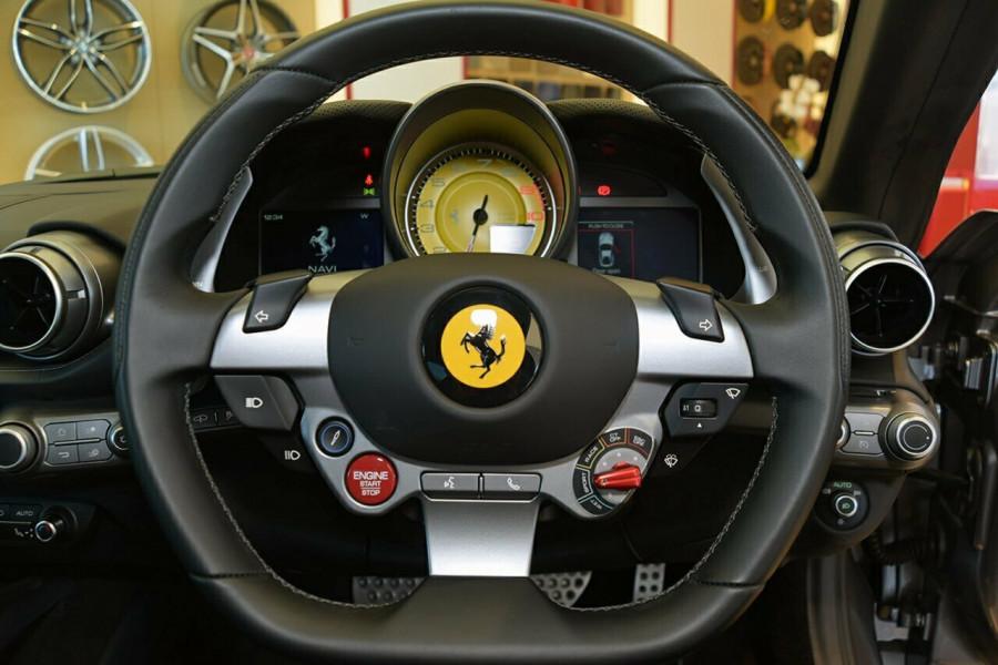 2017 Ferrari 812 Superfast F152M F152M Coupe Mobile Image 11