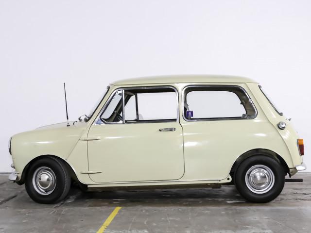 1969 Morris Mini Morris Mini Deluxe Man Deluxe Sedan