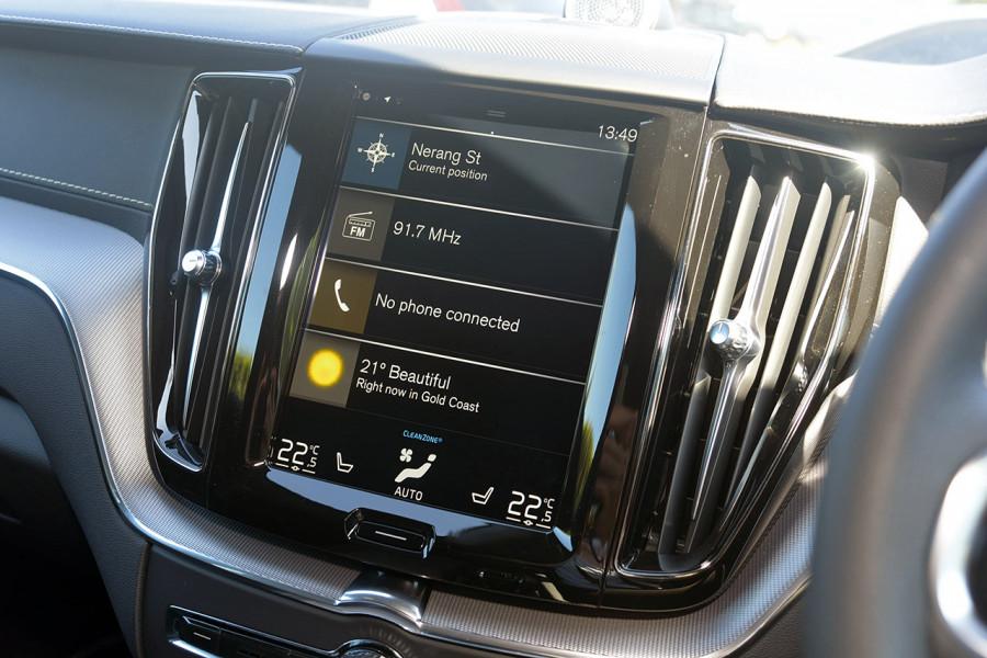 2019 Volvo XC60 UZ D5 R-Design Suv Mobile Image 13