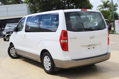 2016 Hyundai Imax TQ3-W Series II MY17 Wagon Image 2