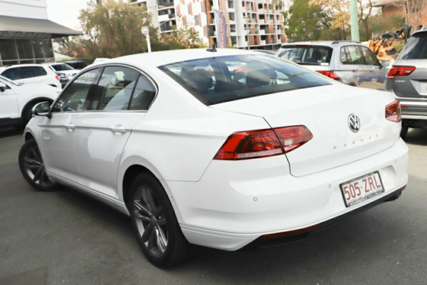 2020 Volkswagen Passat B8 140 TSI Business Sedan Image 2