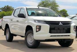 Mitsubishi Triton GLX ADAS Double Cab Chassis 4WD MR