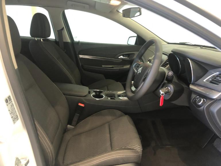 2016 Holden Commodore VF II Evoke Sportwagon Image 11