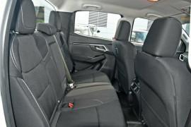 2020 MY21 Isuzu UTE D-MAX RG LS-M 4x4 Crew Cab Ute Utility Mobile Image 16