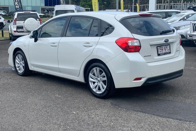 2015 Subaru Impreza G4  2.0i Hatchback Image 5