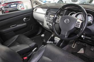 2010 Nissan Tiida C11 S3 Ti Hatchback Image 5