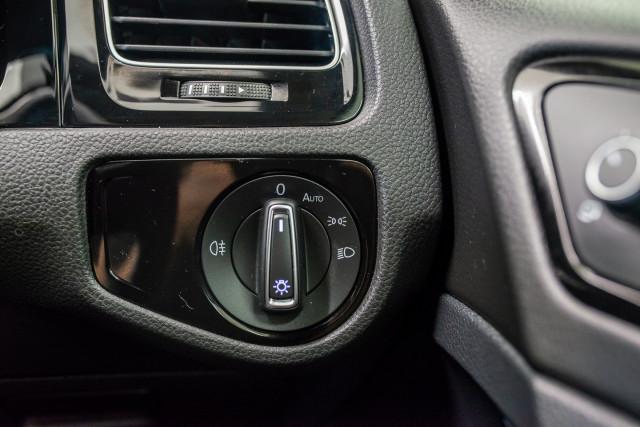2017 MY18 Volkswagen Golf 7.5 R Grid Edition Hatch Image 33