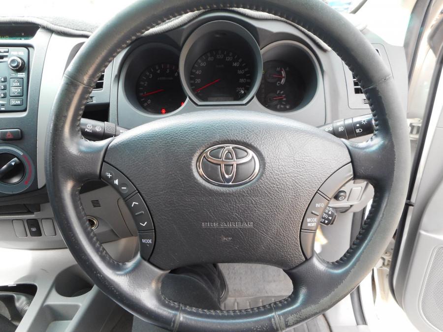 2009 MY10 Toyota HiLux KUN26R  SR5 Utility Image 15
