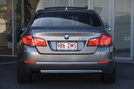 2010 BMW 5 Series F10 528i Sedan Image 4
