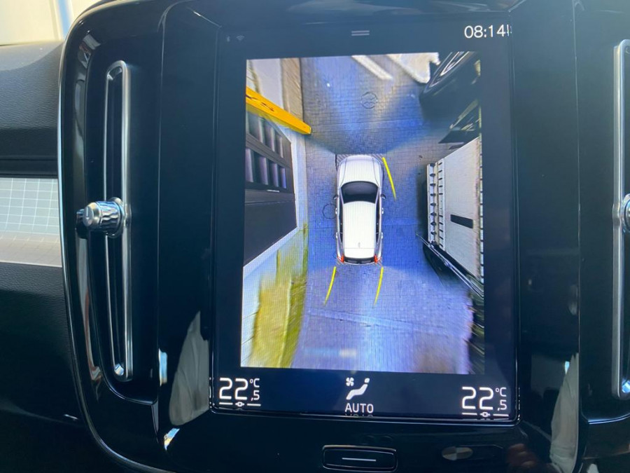 2021 Volvo XC40 XZ T4 Momentum Suv Image 14