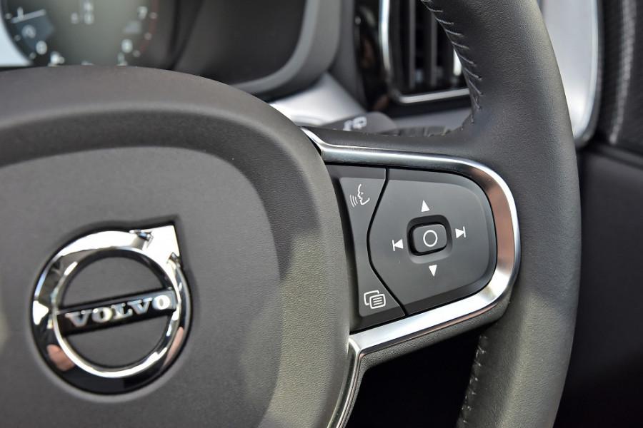 2019 MY20 Volvo XC60 UZ T5 Momentum Suv Mobile Image 23