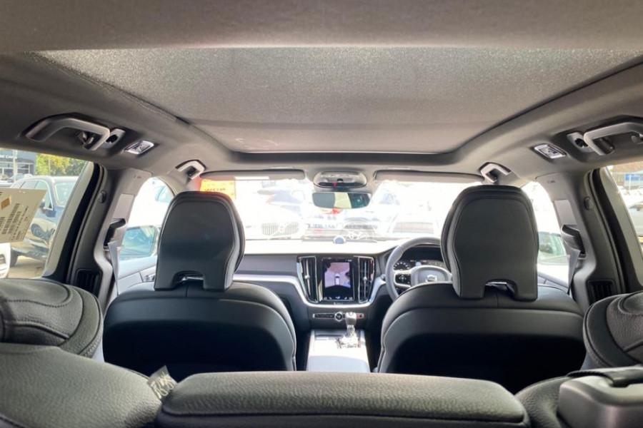 2020 Volvo V60 T5 R-Design T5 R-Design Wagon Mobile Image 7