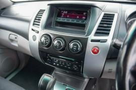 2009 MY10 Mitsubishi Challenger PB (KH) MY10 LS Wagon Mobile Image 11