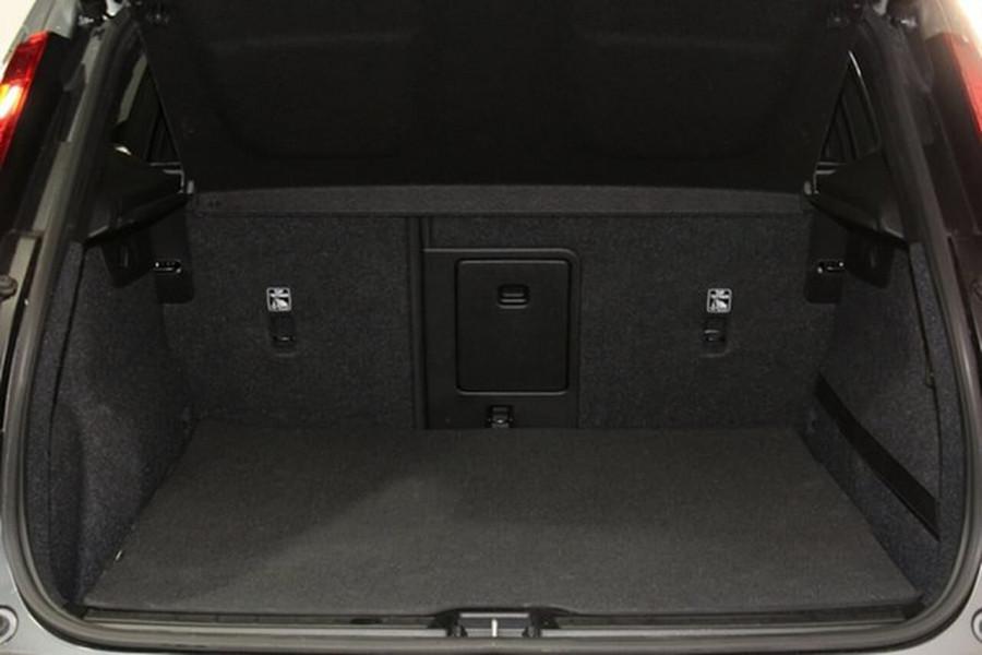 2018 MY19 Volvo XC40 XZ T4 Momentum Suv Mobile Image 19