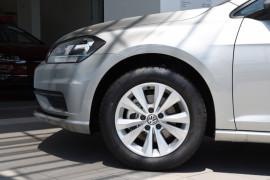2019 Volkswagen Golf 7.5 110TSI Trendline Hatchback Image 5