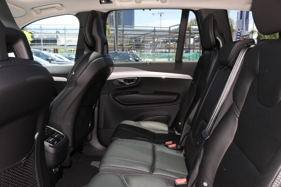2020 Volvo XC90 L Series D5 Momentum Suv Image 7