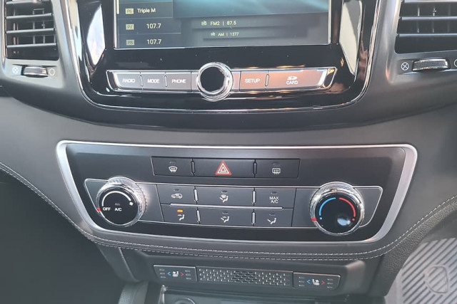 2020 SsangYong Musso Ultimate 25 of 36