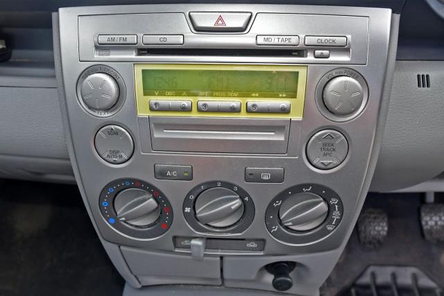 2004 Mazda 2 DY Series 1 Neo Hatchback Image 9