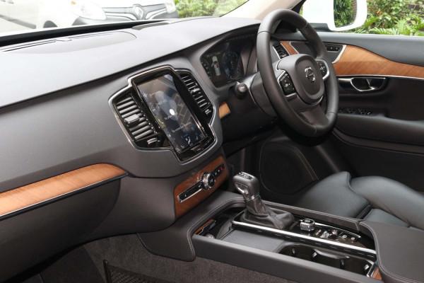 2021 MYon Volvo XC90 L Series T6 Momentum Suv Image 5