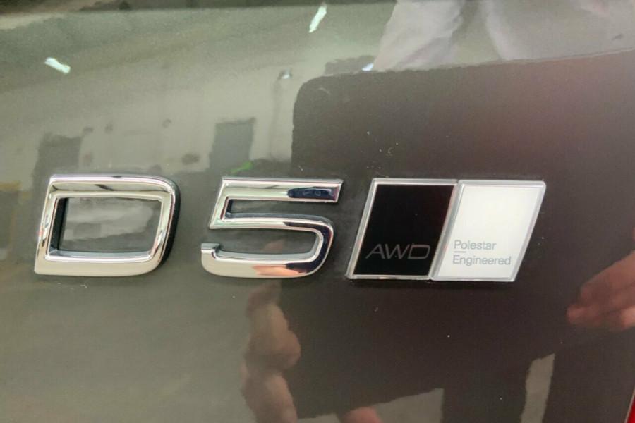 2018 MY19 Volvo XC90 256 MY19 D5 Momentum (AWD) Suv Mobile Image 22